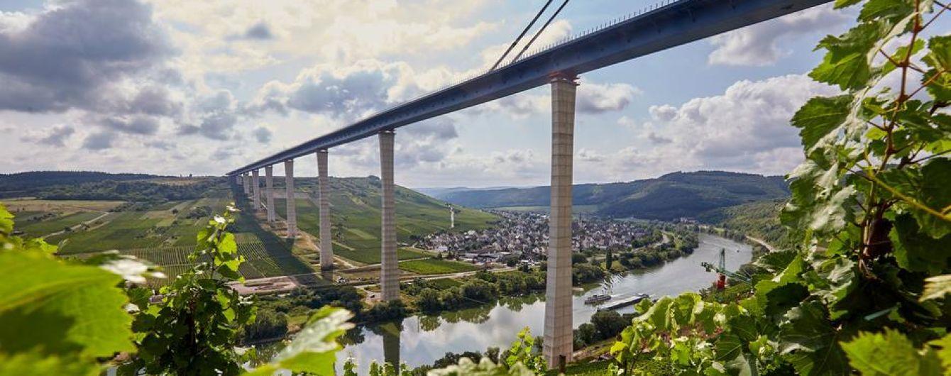 Второй по размеру мост Германии открыли после восьми лет строительства