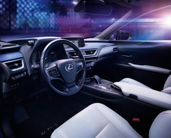 Lexus UX 300e_3