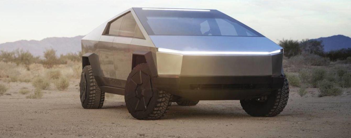 До Мережі потрапило відео з салоном Tesla Cybertruck
