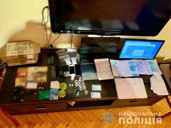 У Харкові поліція ліквідувала інтернет-магазин з продажу наркотиків