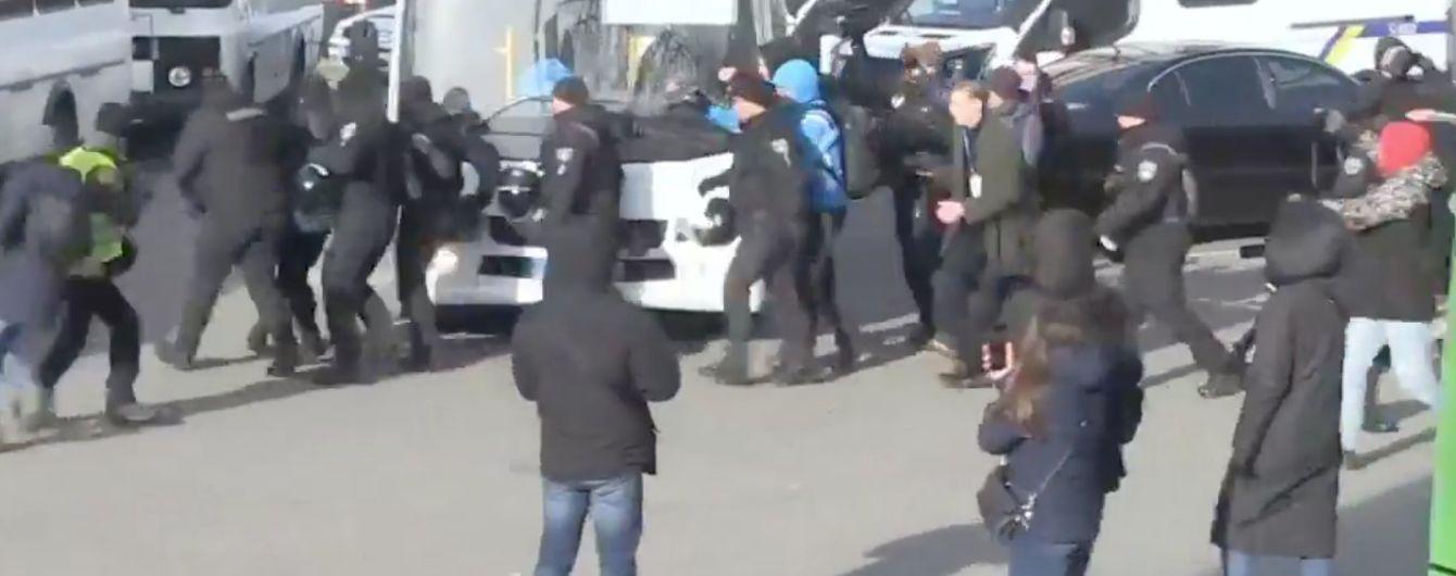 У Києві відбувся транс-марш, поліція затримала шістьох провокаторів