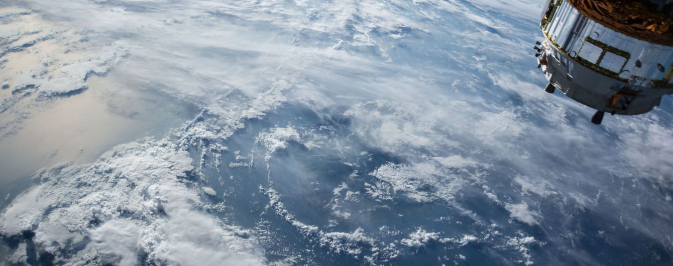 Зійшов з орбіти і згорів. РФ втратила супутник, який відстежував запуск балістичних ракет