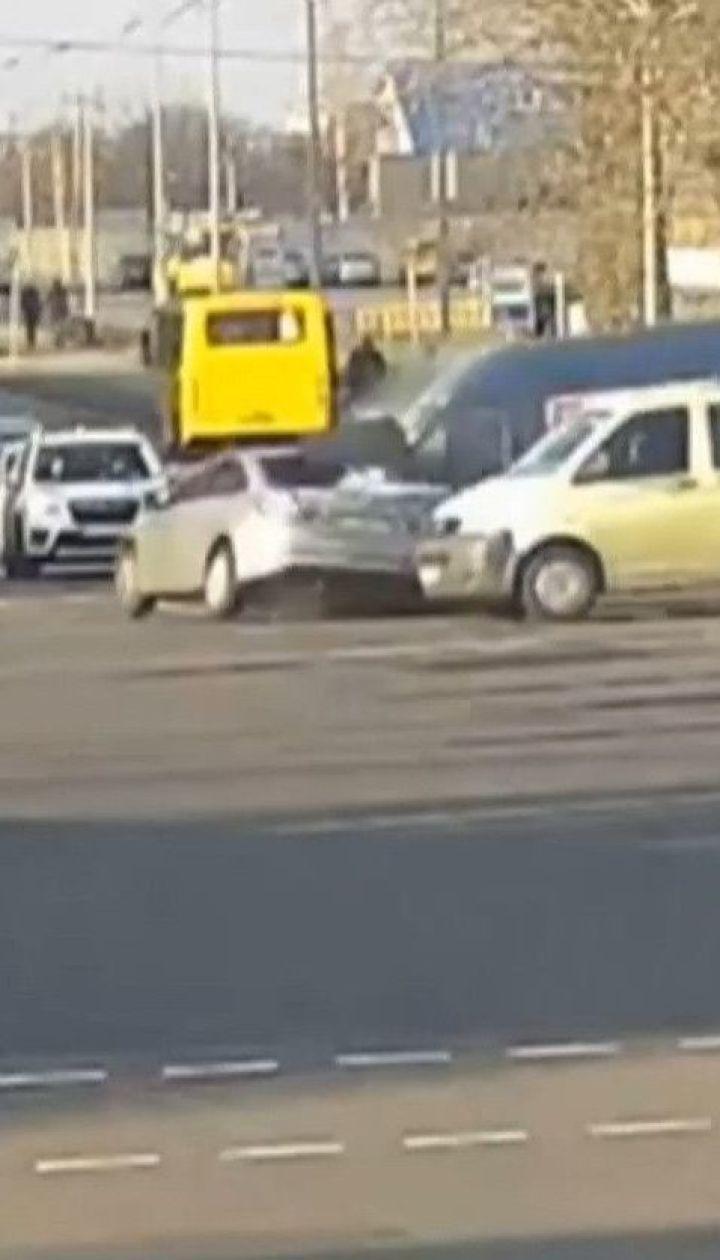 Поїхав на червоне світло: Микола Кулеба потрапив із двома синами у ДТП