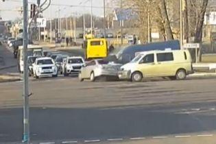 """""""Укравтодор"""" візьметься за перехрестя, на якому сталася ДТП з дитячим омбудсменом Кулебою"""