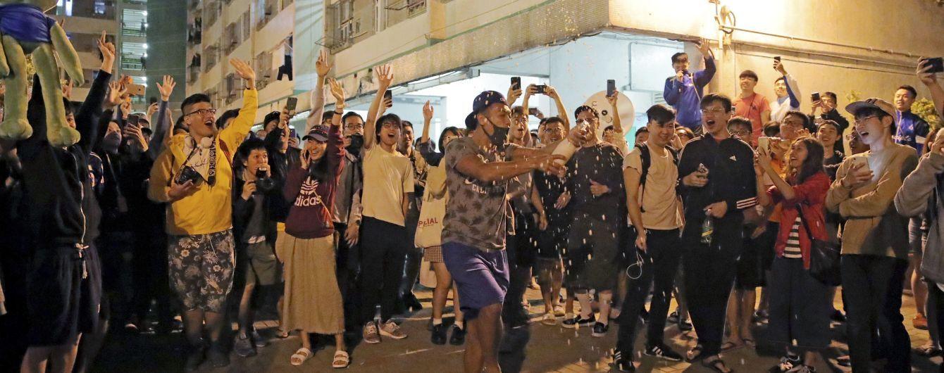 """Політична відсіч Китаю. Як """"неважливі"""" вибори у Гонконгу перетворилися на протест проти диктатури Пекіна"""