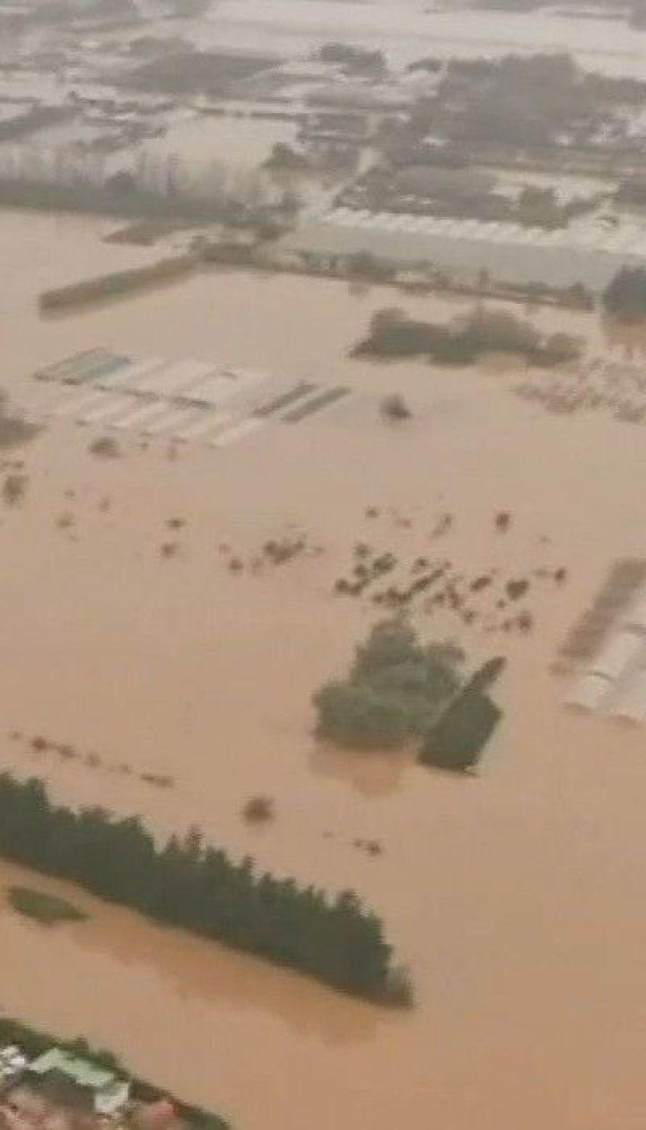 Потужна повінь у Франції забрала щонайменше життя двох осіб