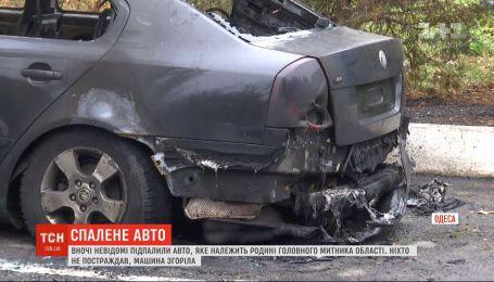 В Одессе ночью неизвестные сожгли машину руководителя областной таможни Игоря Резника