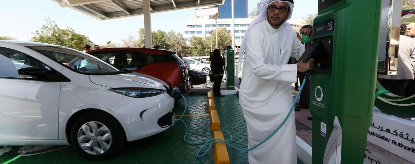 У Дубаї на рік продовжили програму лояльності для електрокарів