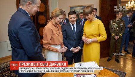 Велосипед для президента: очільниця Естонії зробила Зеленському незвичний дарунок