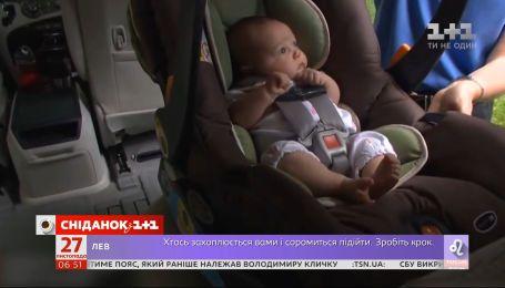 Бояться штрафів: українські таксисти відмовляють пасажирам з дітьми через відсутність автокрісел