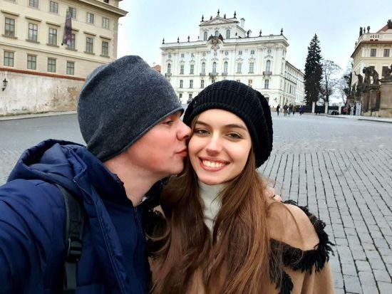 Дмитро Комаров влаштував романтичний сюрприз дружині