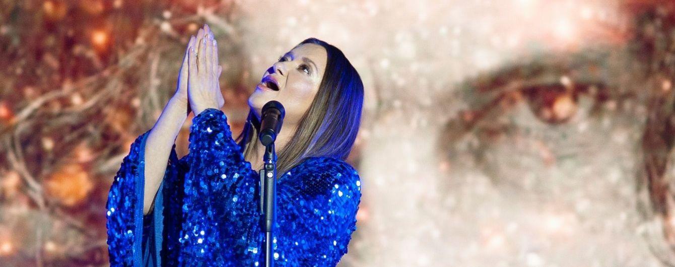 Наталья Могилевская очаровала образом в роскошном синем платье