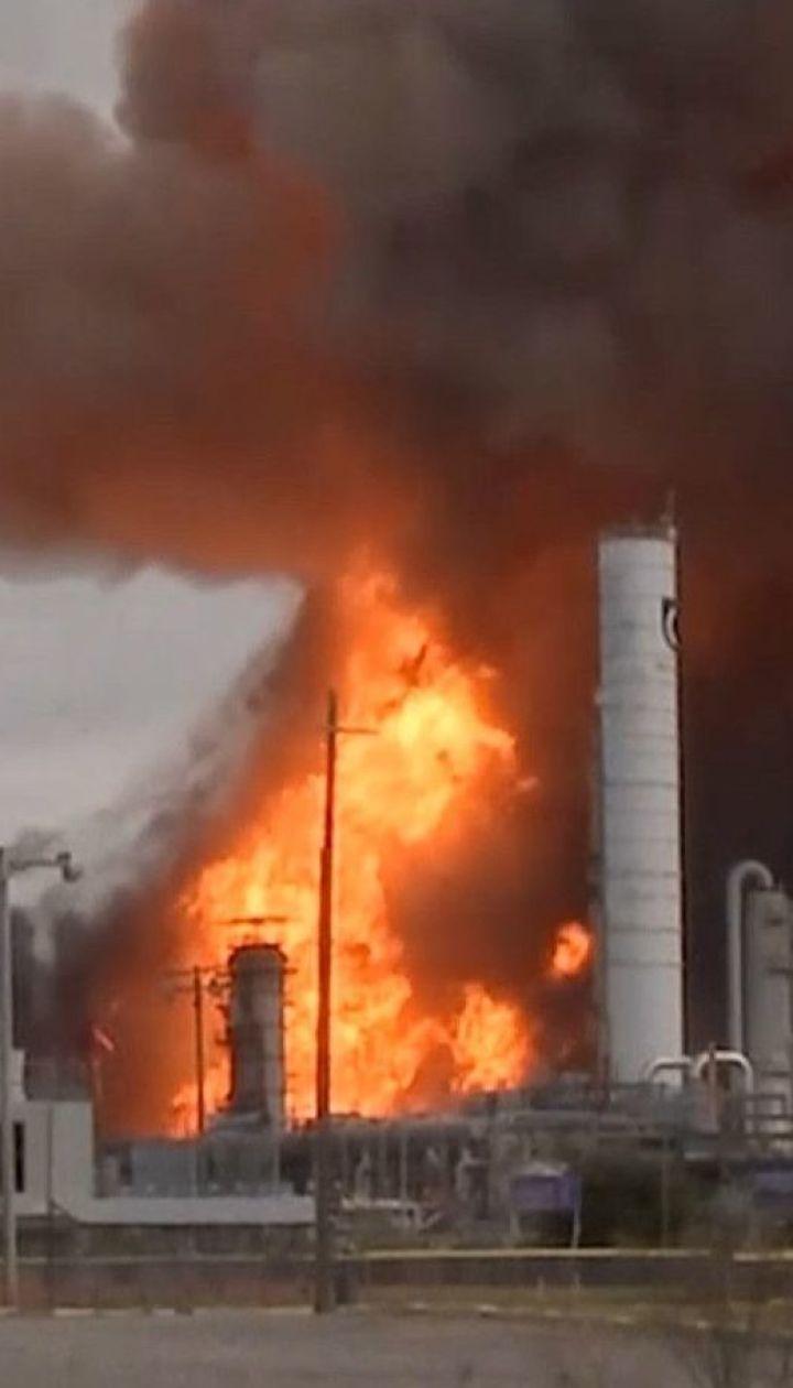 Из-за серии взрывов на химическом заводе в Техасе эвакуируют 60 тысяч человек