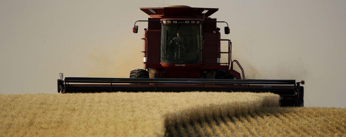 Майже 60% українців проти продажу землі – опитування