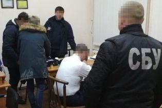 На Николаевщине чиновники разворовали 15 млн гривен, предназначенные на учебники школьникам