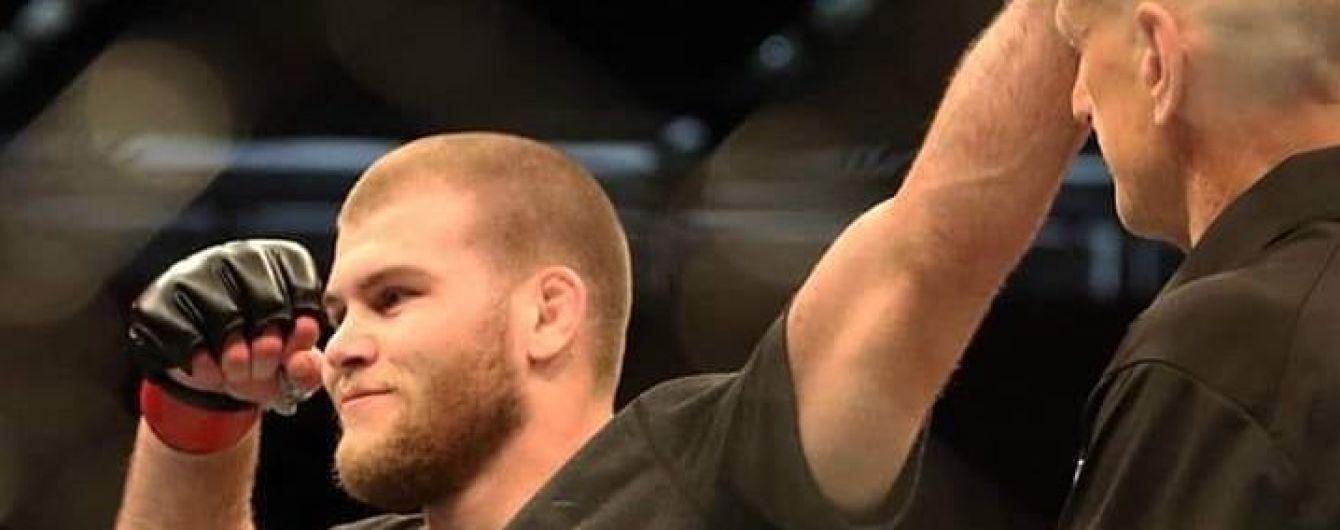 Австралийский боец UFC подписал контракт на поединок кровью