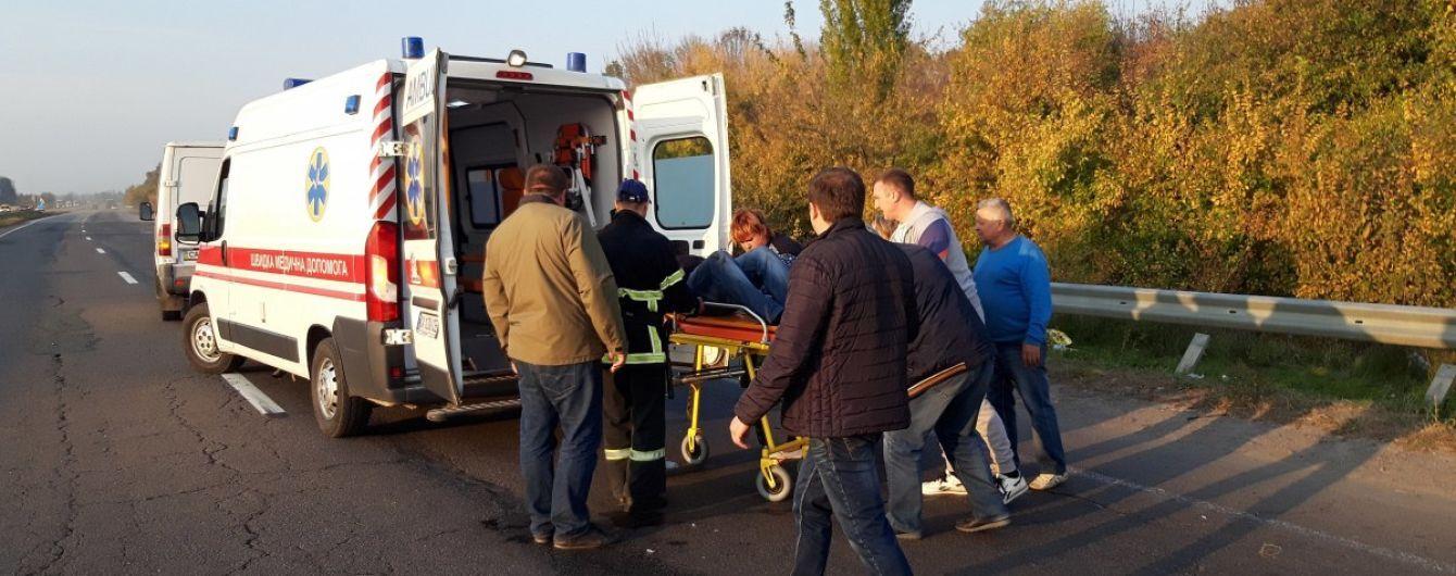 У Львові автомобіль збив 34-річну жінку з маленьким сином