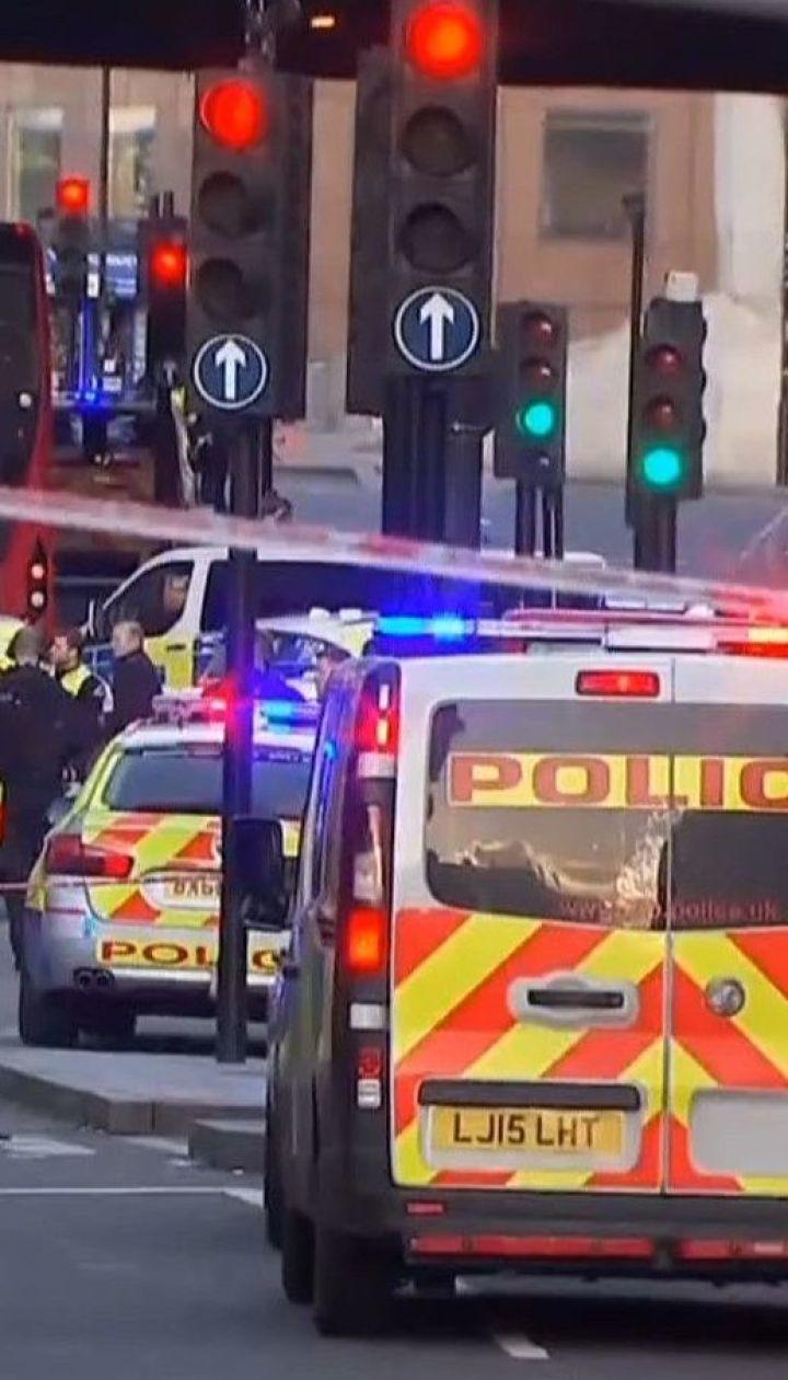 Невідомий з ножем на Лондонському мосту напав на людей – п'ятеро зазнали поранень