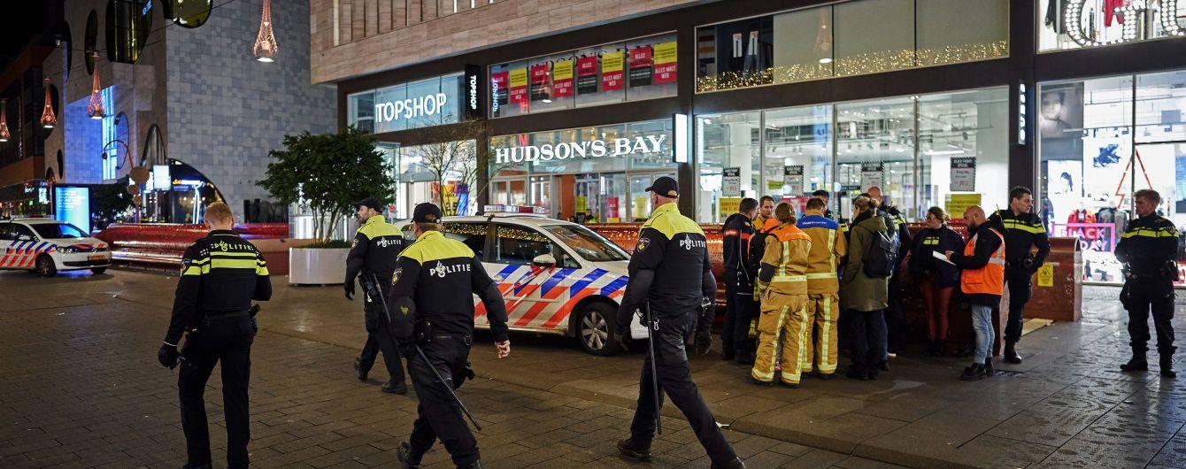 Чоловік із ножем вчинив різанину в торгових рядах у Гаазі