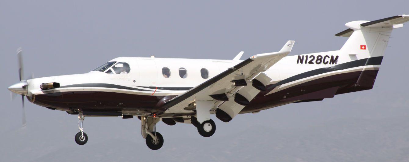 У США розбився пасажирський літак. Дев'ять людей загинули
