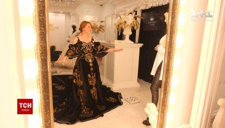 Діаманти та золото: як виглядає найдорожча сукня України за пів мільйона доларів