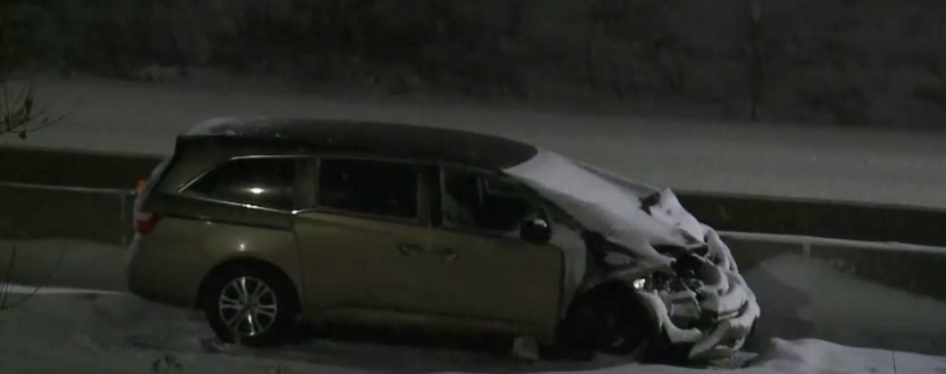 У Канаді через снігопад зіткнулись 40 автомобілів