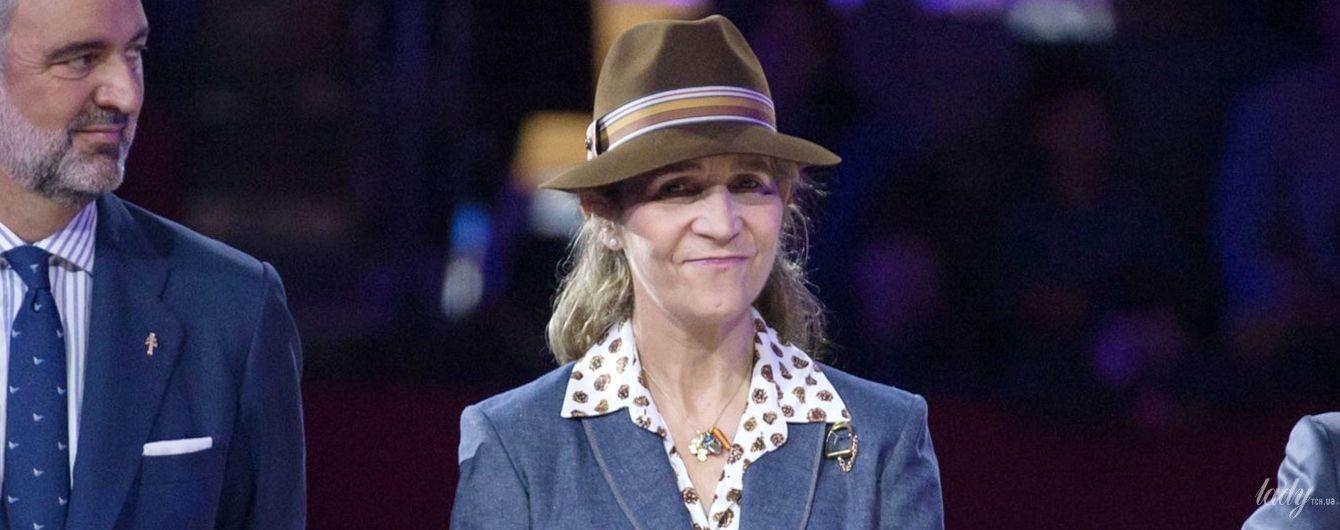 В костюме, пестрой блузке и шляпе: новый лук испанской принцессы Елены