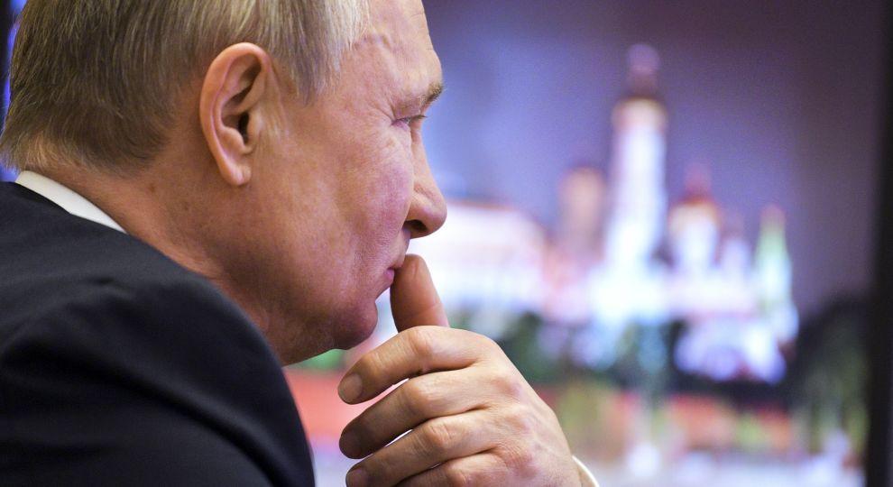 У Кремлі розповіли деталі зустрічі Зеленського та Путіна в Парижі