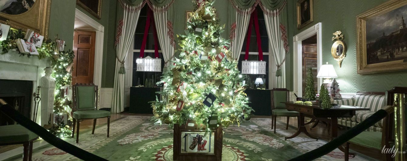Праздник уже скоро: в Белом доме засверкали рождественские елки