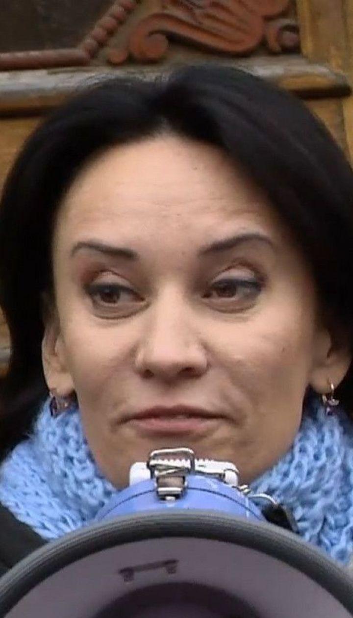 Допрос не состоялся: волонтер Маруся Звиробий вместе с адвокатами появилась в ГБР