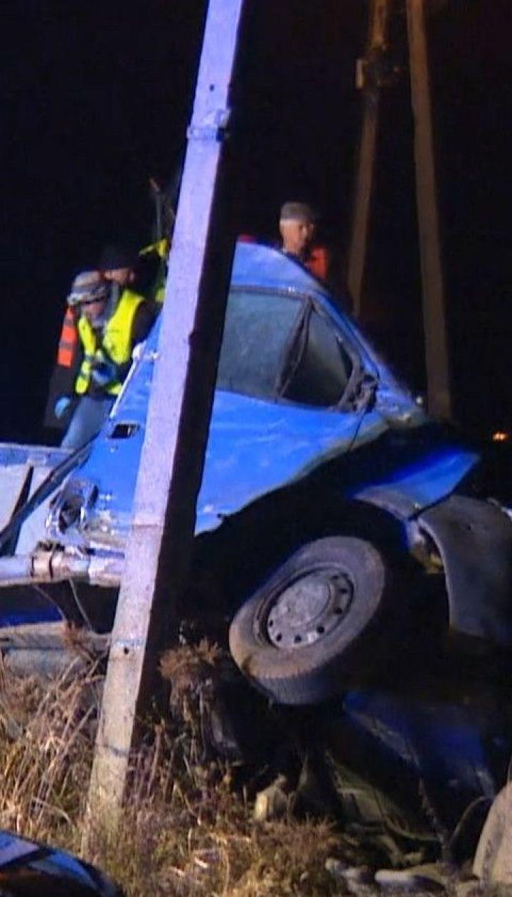 Поезд сбил фургон с украинцами в Польше - два человека получили травмы
