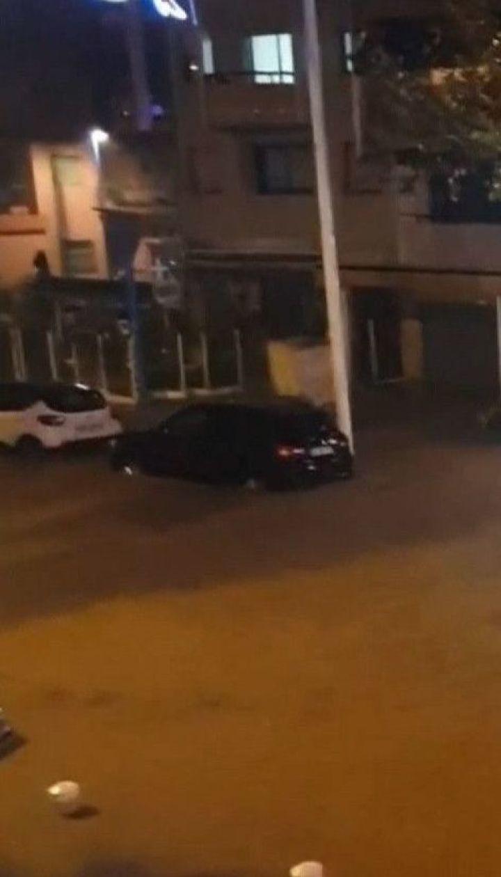 Во время наводнения на юге Франции разбился вертолет с тремя спасателями