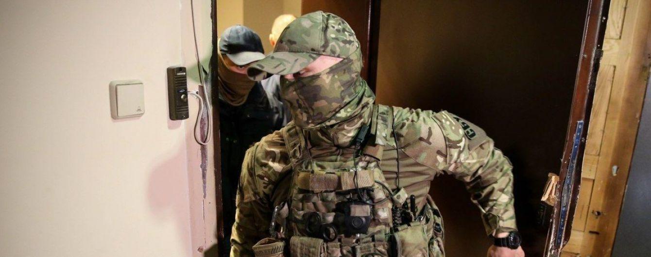 Вбивство Катерини Гандзюк. ЗМІ повідомляють про затримання Павловського та обшуки у Мангера та Рищука