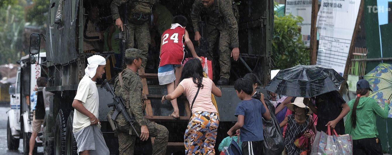 """На Филиппинах эвакуировали 200 тысяч человек из-за тайфуна """"Каммури"""""""