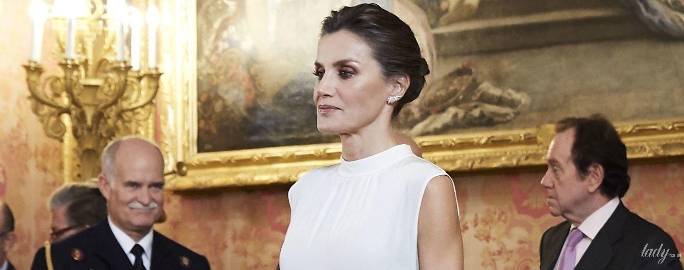 Роскошный выход: королева Летиция на приеме в королевском дворце в Мадриде