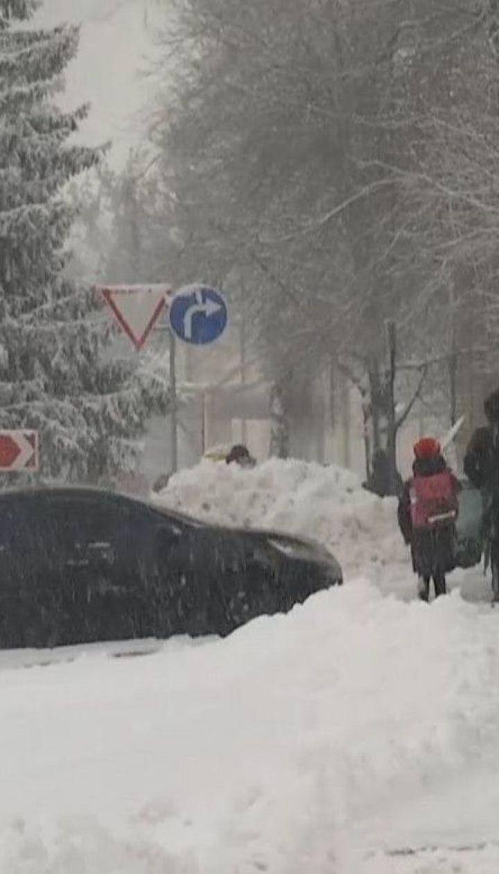 Харьков засыпало снегом: высота покрова достигает более 10 сантиметров