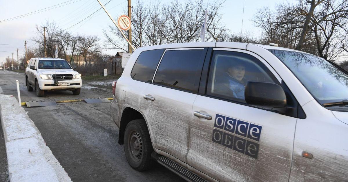 Возле оккупированного Донецка перевернулся бронеавтомобиль ОБСЕ
