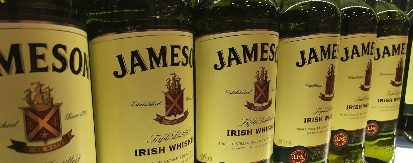 """В Британии """"замаскированный"""" мужчина угнал фуру с тремя тысячами бутылок виски"""