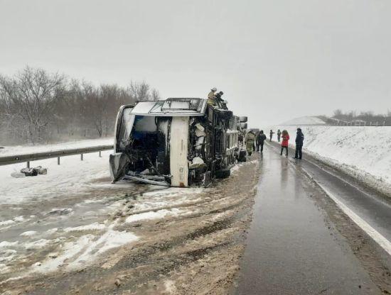 У Росії перекинувся автобус з українцями: 17 постраждалих