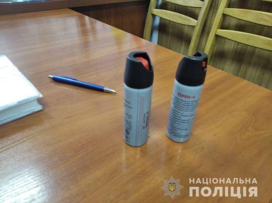У школі Броварів невідомий розпилив сльозогінний газ