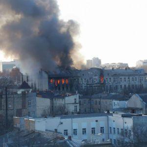 Кабмін створив комісію з розслідування причин пожежі у коледжі в Одесі