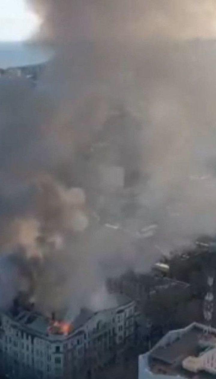 6 осіб постраждали від пожежі в коледжі Одеси – там поки не вдається локалізувати вогонь