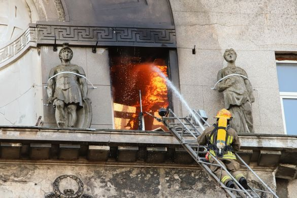 Пожежа у коледжі в Одесі_10