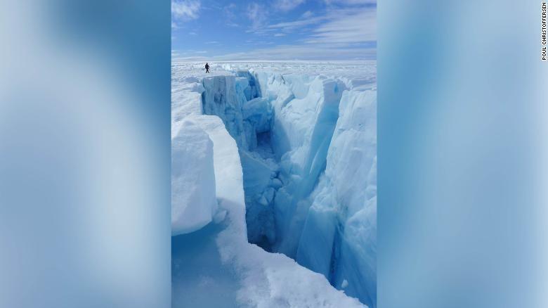 Тріщині у кризі Гренландії_2