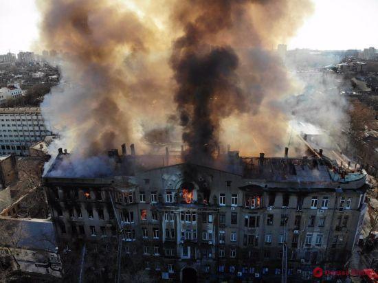 Четверо загиблих і 11 зниклих безвісти: головне про причини і наслідки пожежі в одеському коледжі