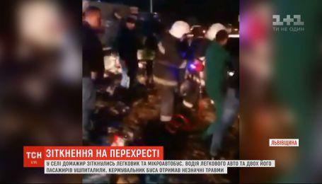 Четыре человека получили травмы в результате ДТП возле Львова