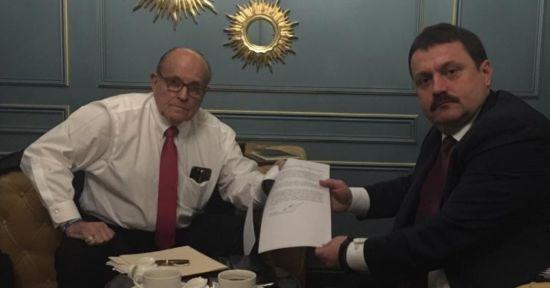 Скандальний адвокат президента США Джуліані прибув до Києва. Нардеп опублікував фото