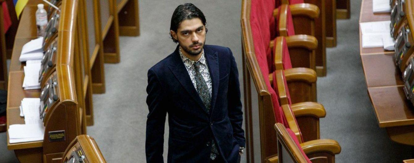 Зеленский уволил своего советника после критики Сивохо и ТКГ с участием Ермака