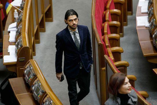 Зеленський звільнив свого радника після критики Сивохо та ТКГ за участю Єрмака