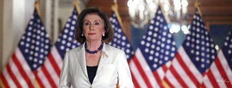 Вона прекрасна: Ненсі Пелосі в розкішному аутфіті зробила важливу заяву